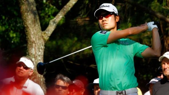 Kevin Na au finish, driver en mains